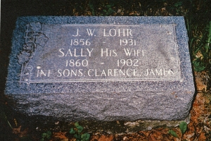 photo of Lohr family tombstone