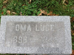 Oma Luce tombstone