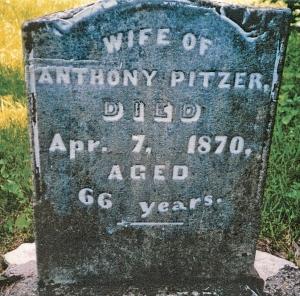 photo of Pitzer, Margaret - tombstone