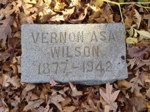 Vernon Wilson, tombstone
